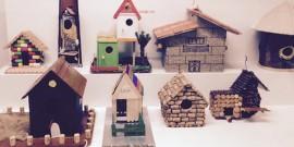 Exposición: casas de pájaros recicladas